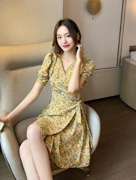 Đầm Họa Tiết Vàng Eo Cột Nơ DH054